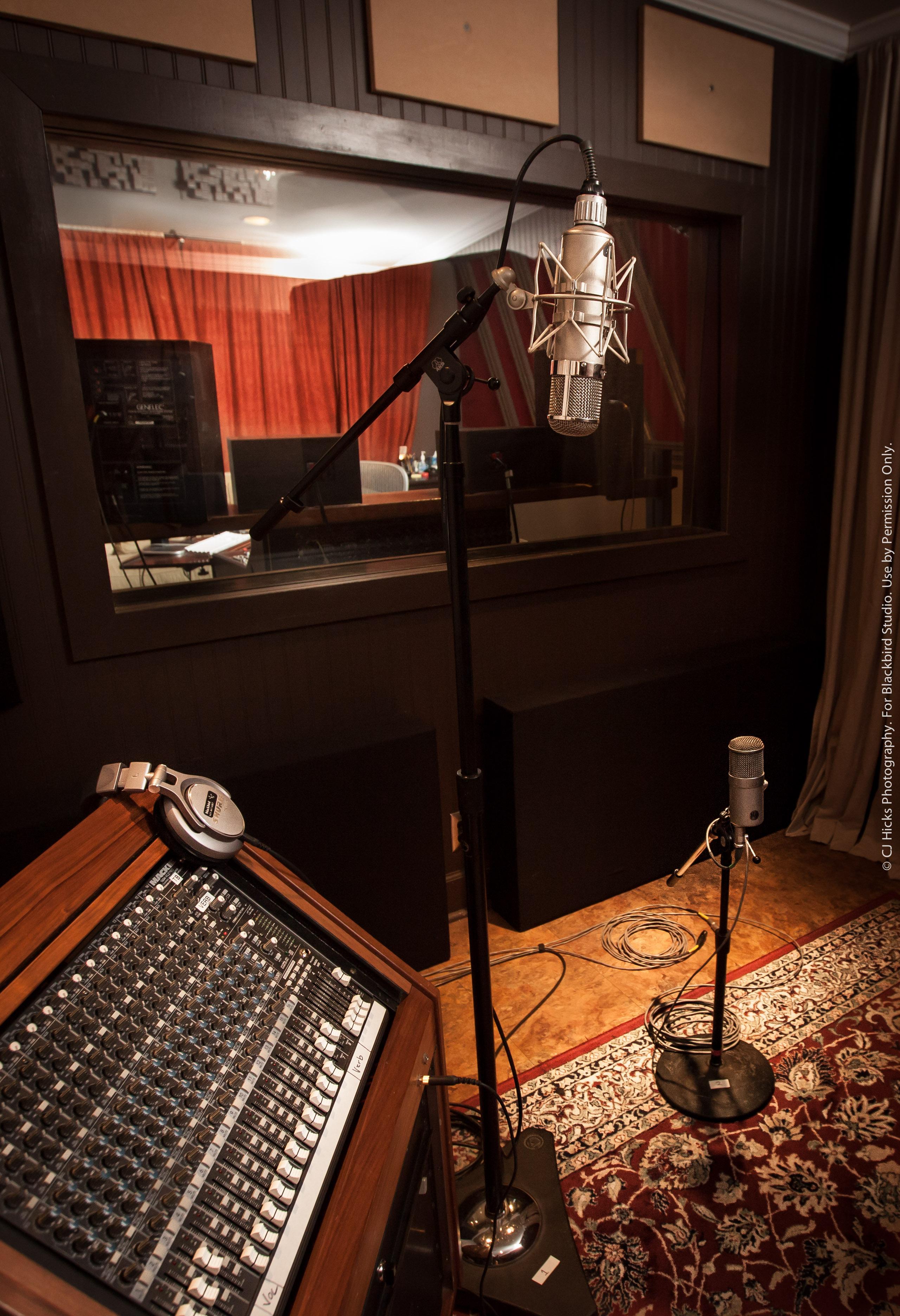 Studio H LoRes-5857