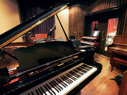 piano-room-for-web