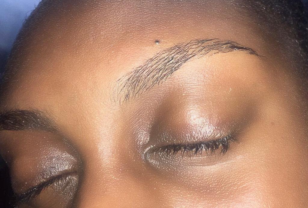 Eyebrow Waxing / Threading