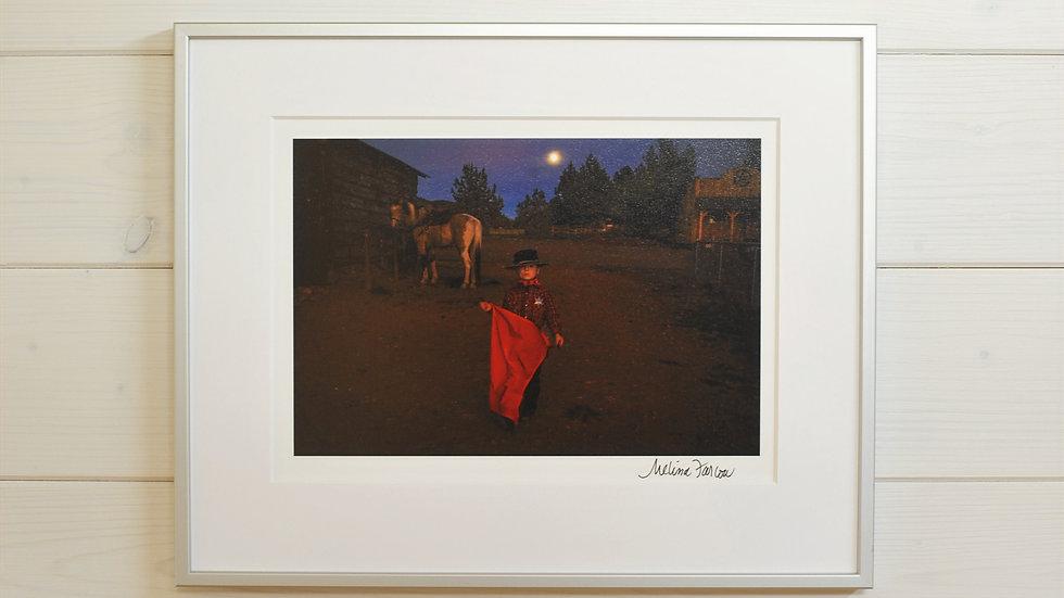 Kleiner Cowboy, roter Schal, Pferd und Vollmond