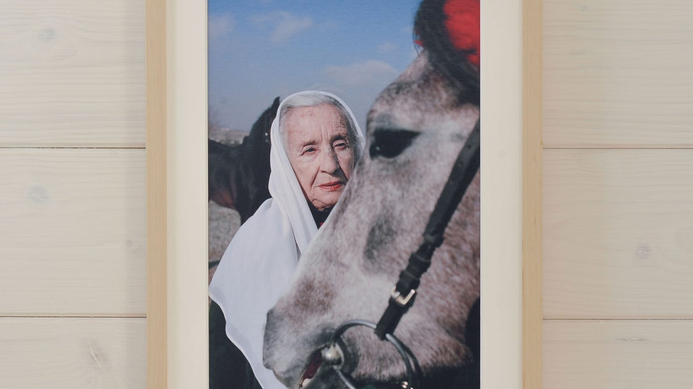 Iranische Pferdezüchterin