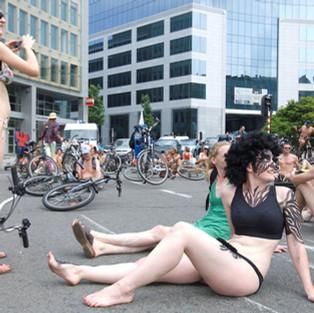 CYCLONUDISTA IN BRUSSELS