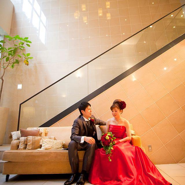 🌿お客様のご紹介です🕊_本日はカラードレスのご紹介です。_花嫁さまがお色直し