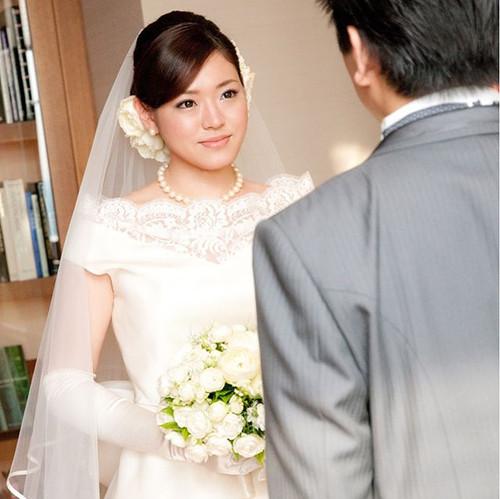 セ・ミュージュンコタマイドレスの先輩花嫁さまのお写真です💒_お顔周りをぐっと華