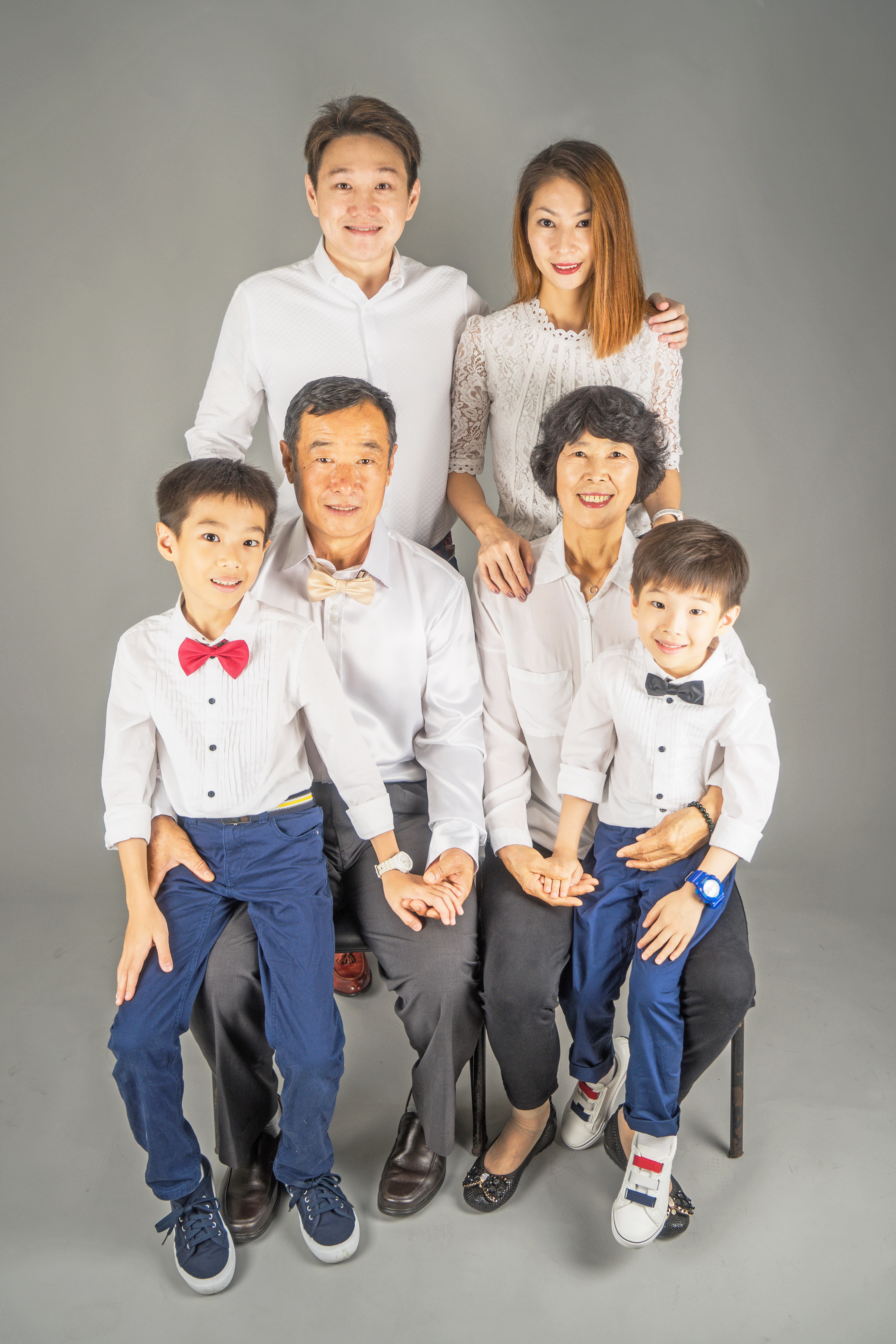 Louie and Family Photoshoot (1)h