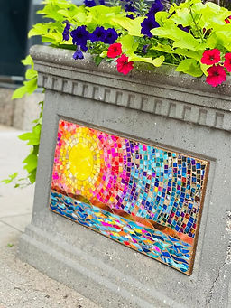 mozaic planter.jpg