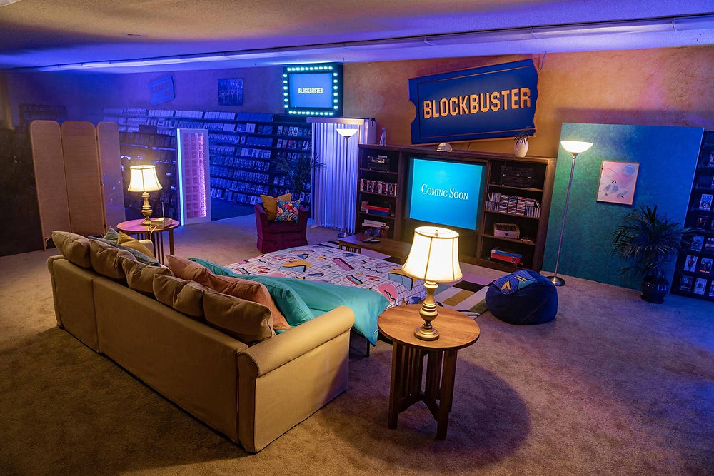 Bạn có thể ngủ lại ở Blockbuster  cuối cùng còn lại (Airbnb / Lauren Demitry)