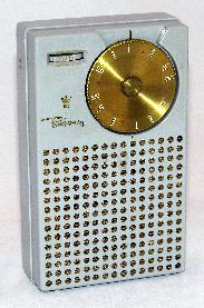 Đài bán dẫn đầu tiên Regency TR-1