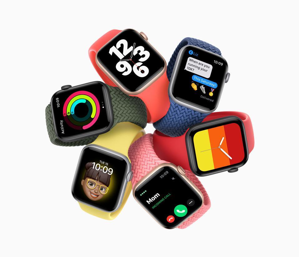 Apple Watch SE với màu sắc và dải màu khác nhau. Liệu Apple Watch năm sau có đo đường huyết không. Ảnh: Apple