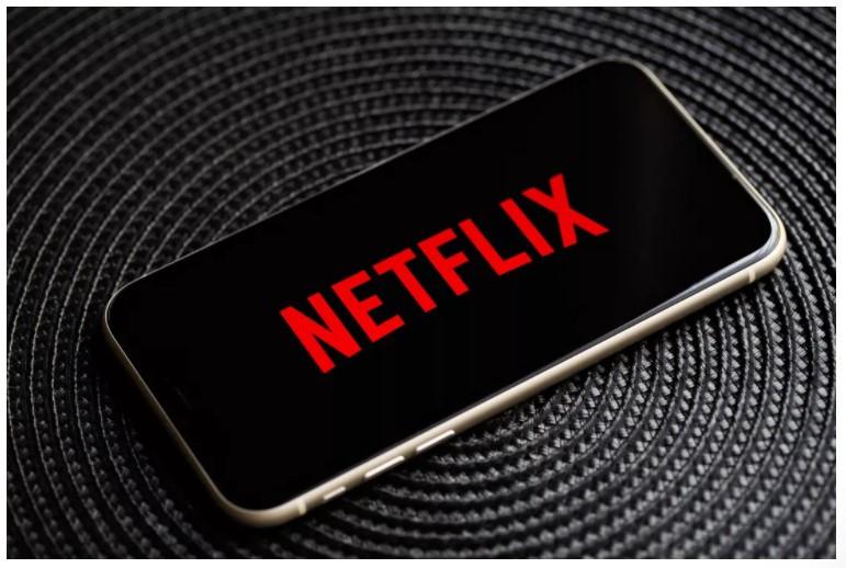 Netflix muốn thêm nhiều tính năng liên kết trực tuyến hơn. Ảnh: Angela Lang / CNET