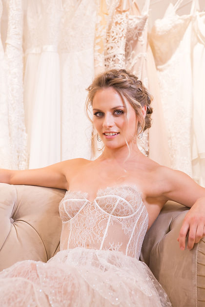 bridal hair, bridemaid, wedding hair, bridal hairdresser,London, Uk, hairstylist, wedding, bride, hairup, braid, curly hair, magic,