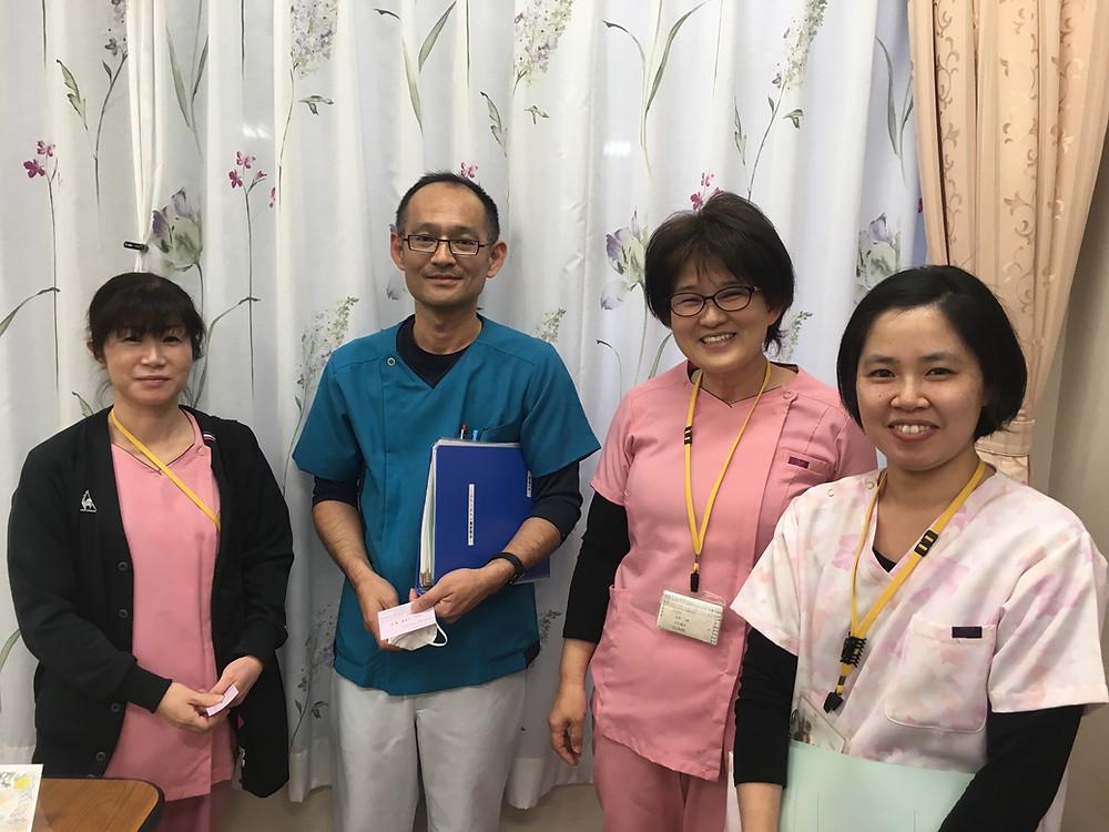 医療とケアの職員の皆さん。右から二番目の方が副看護部長の福原さん