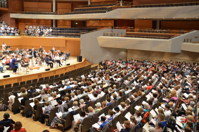 Halle Orchestra and Choirs to celebrate Richard Lewis centenary