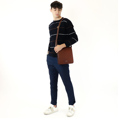 Hand buffered leather crossbody shoulder bag art. 209