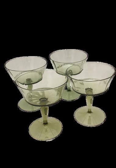 Glasses handblown green (set of 8)
