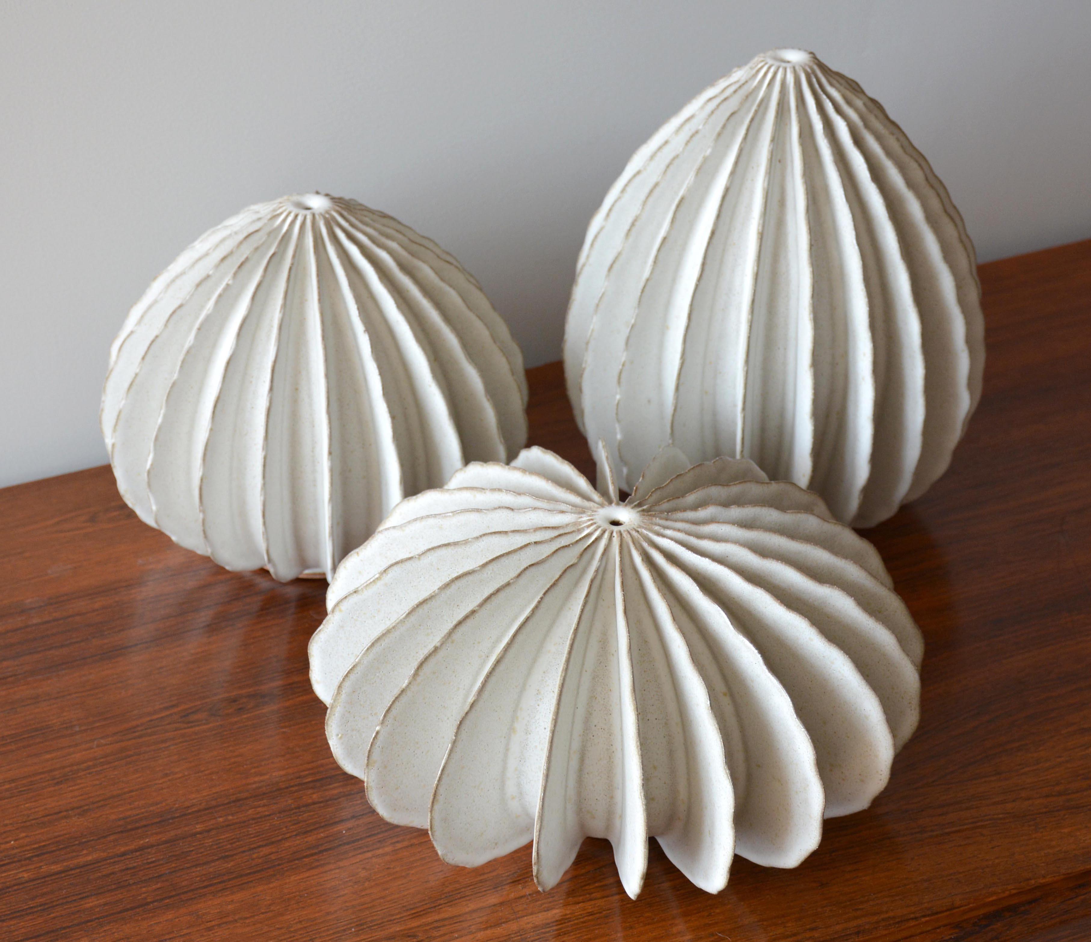 White Pods (0650)