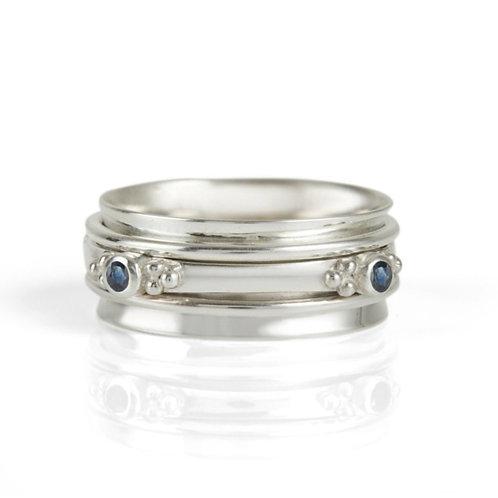 Charlotte's Web Rajalita Sapphire Spinning Ring