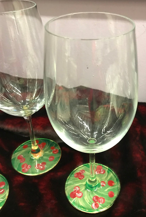 Hand painted Wreath Wine Glass