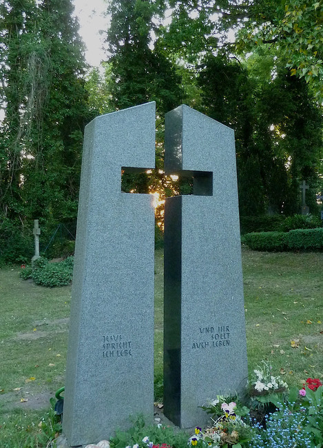 Urnengrab Denkmal