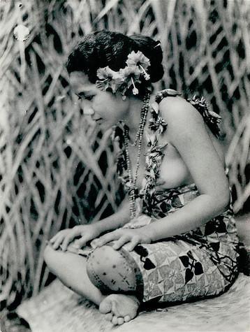 Tatau on Woman from Samoa
