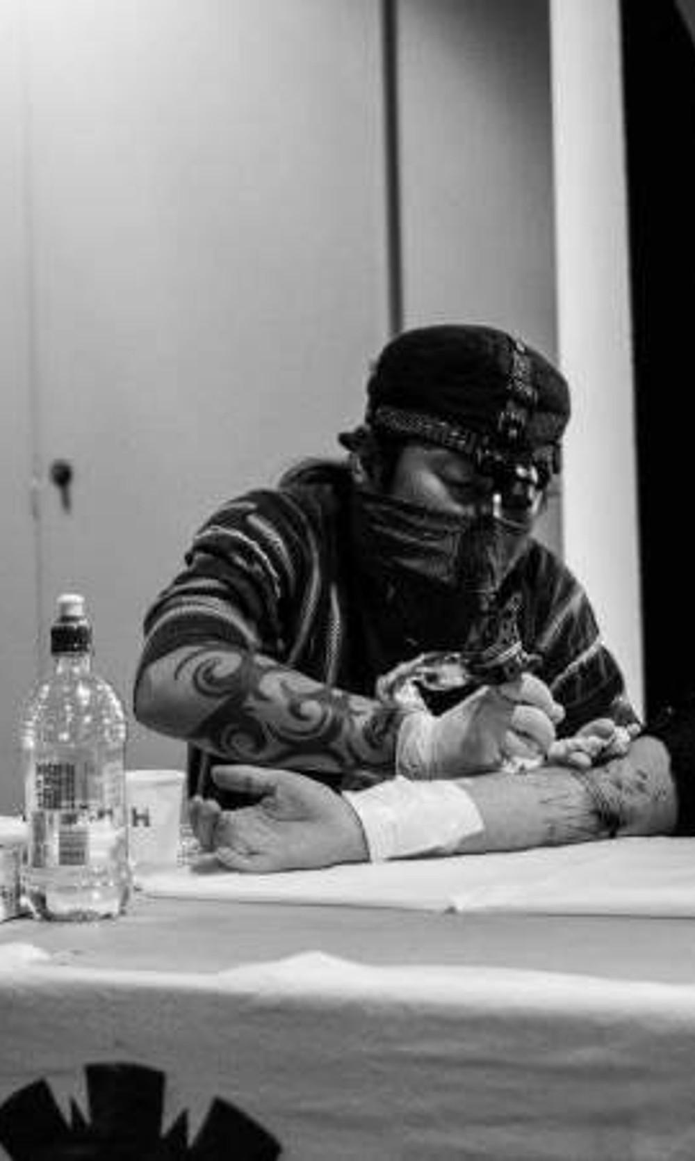 Taku Oshima Black Addicts Tattooing