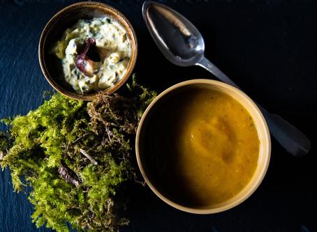 Crème aux algues et curry pour potage gourmand.