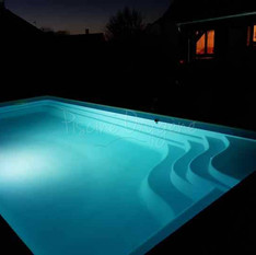PISCINE DE NUIT : LA DETENTE ABSOLUE !