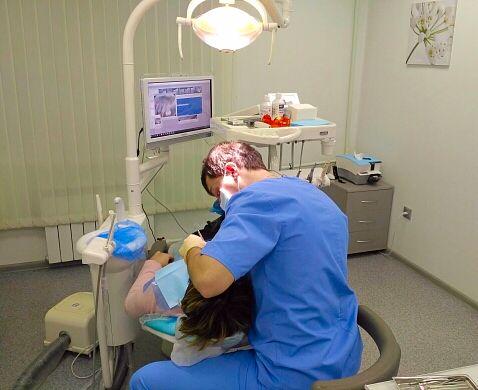 Прием стоматолога ортопеда