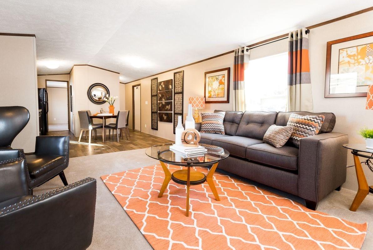 Livingroom & dinnin