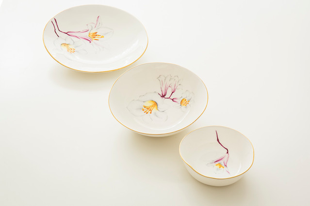 Lillies plate set