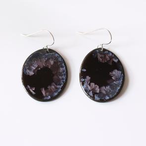 erika-albrecht-cermics-handmade-black-porcelain-purple-crystalls-earrings.JPG