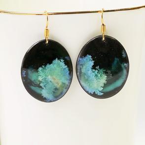 Erika-Albrecht-Ceramics-black -porcelain-earrings-misty-green.JPG