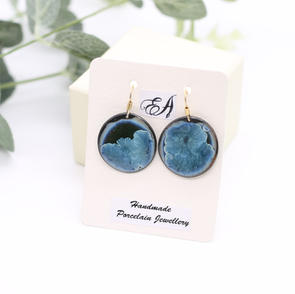 erika-albrecht-ceramics-lightblue-black-porcelain-handmade-earrings.JPG
