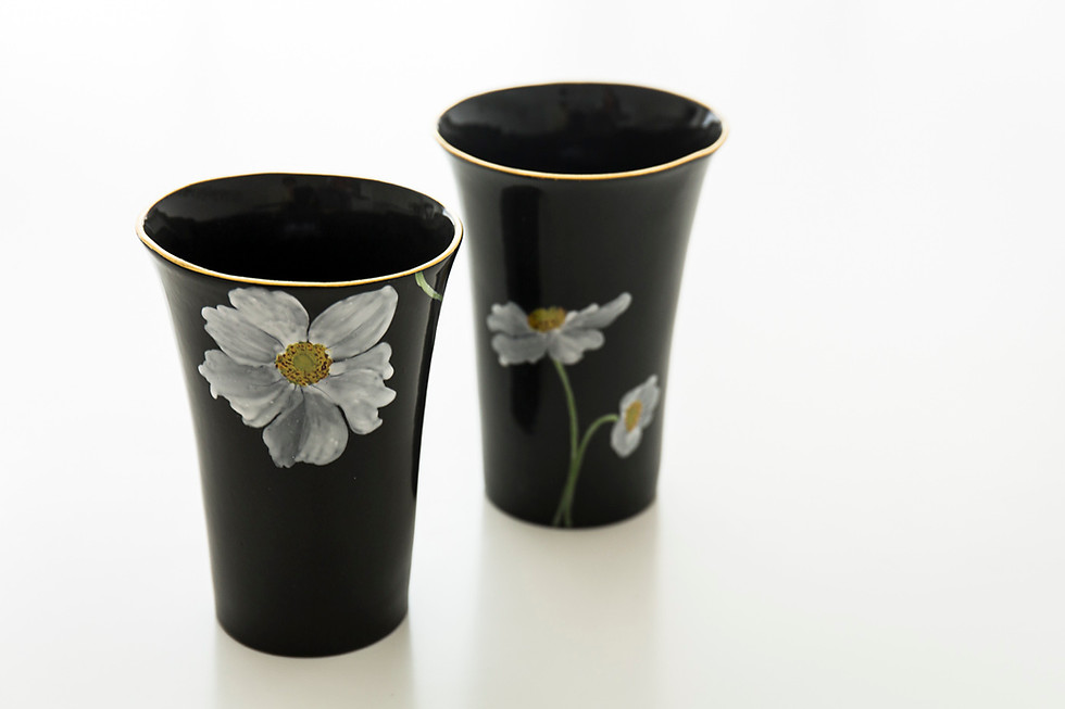 Black porcelain beakers