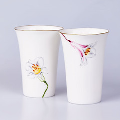 Bone china beakers Lilies