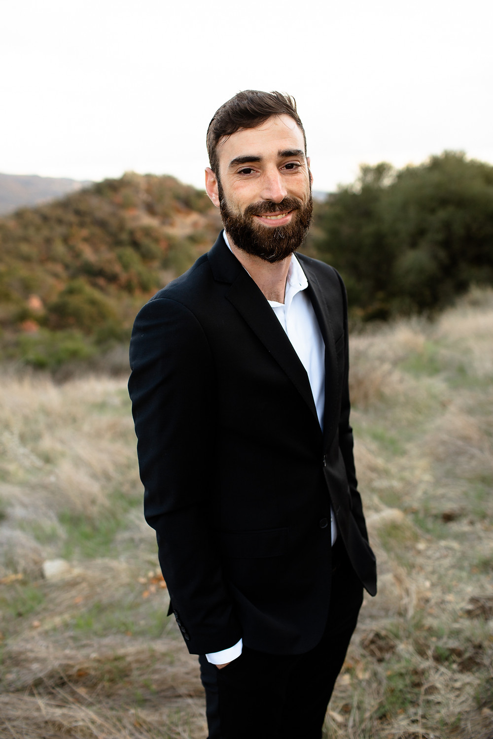 groom smiling in topanga canyon state park