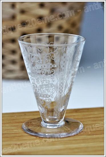 Verres à liqueur en cristal de Baccarat modèle service Lido, Baccarat crystal liquor cordial glasses