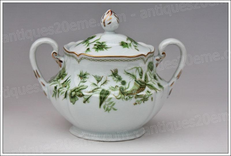 Sucrier en porcelaine de Limoges Haviland A la corne, Limoges Haviland porcelain sugar pot