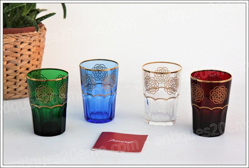 Coffret de verres gobelets à thé en cristal du service Baccarat Assalah, Baccarat crystal tea goblets glasses
