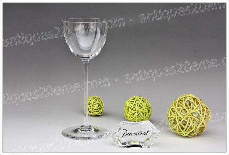 Verre à vin en cristal du service Baccarat Perfection, Baccarat crystal wine glass