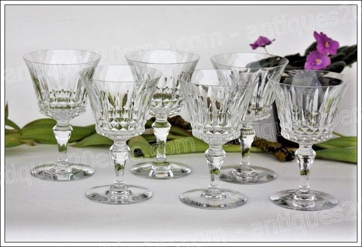 Verres à vin en cristal du service modèle Piccadilly, Baccarat crystal wine glasses