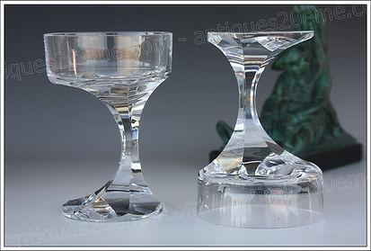 Verres en cristal du service modèle Baccarat Narcisse