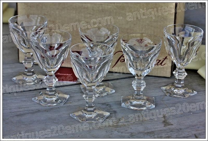 Verres à vin en cristal de Baccarat modèle service Harcourt, Baccarat crystal wine glasses