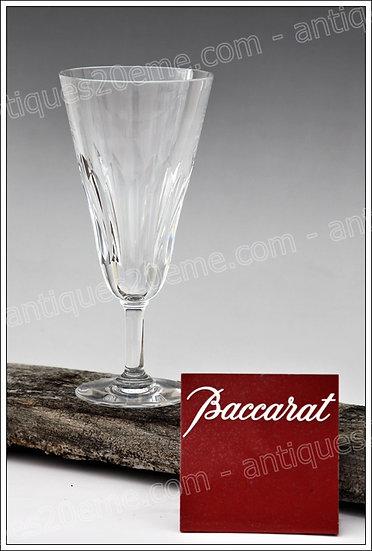Verre flûte à champagne en cristal de Baccarat modèle service Cassino, Baccarat crystal flute champagne glass