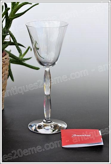 Verre à vin du service en cristal Baccarat Onde, Baccarat crystal wine glass