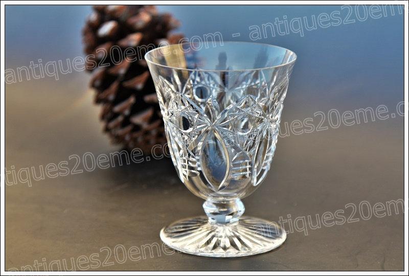 Verre à eau en cristal de Baccarat modèle service Beaujeu, Baccarat crystal water glass