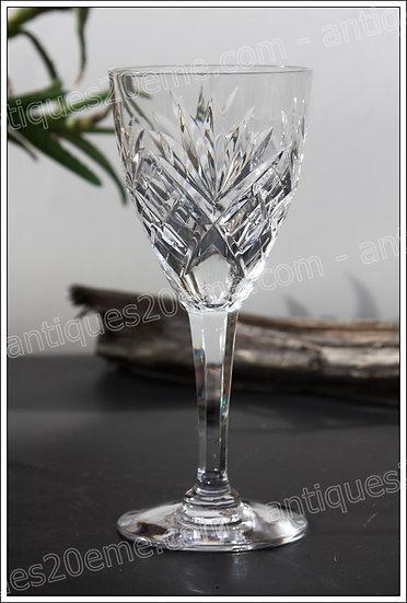 Verres à vin en cristal de Saint-Louis modèle service Chantilly, St.Louis crystal wine glasses