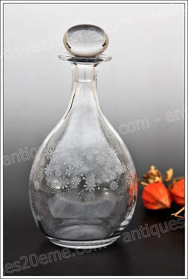 Carafe en cristal du service modèle Baccarat Elisabeth edelweiss, baccarat crystal decanter wine carafe