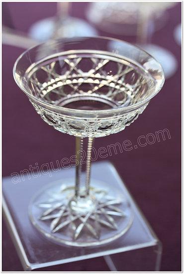 Coupe à champagne en cristal de Baccarat modèle service Pontarlier, Baccarat crystal Champagne glass