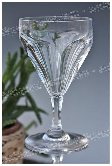 Verre à vin du service en cristal Baccarat Duchesse de Dino, Baccarat crystal wine glass
